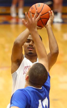 12-12-15<br /> Kokomo vs Frankfort boys basketball<br /> Kokomo's Jordan Matthews<br /> Kelly Lafferty Gerber   Kokomo Tribune