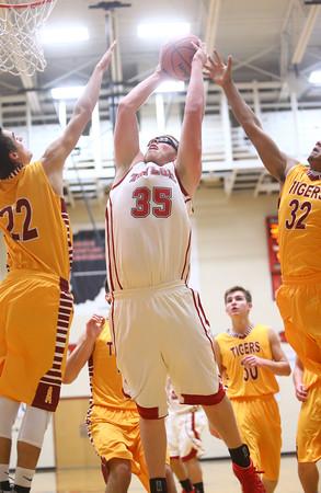 12-15-15<br /> Taylor vs Alexandria boys basketball<br /> Taylor's James Bell<br /> Kelly Lafferty Gerber | Kokomo Tribune
