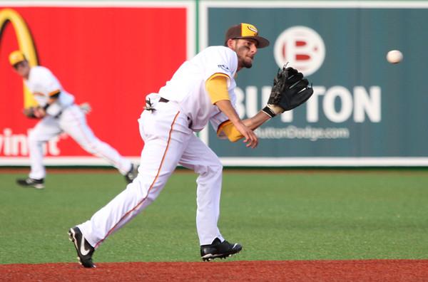 6-11-15 Jackrabbits vs Sliders Chris Amato makes the catch for an out. Kelly Lafferty Gerber | Kokomo Tribune