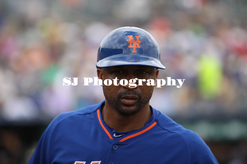 Coach Tom Goodwin of the New York Mets