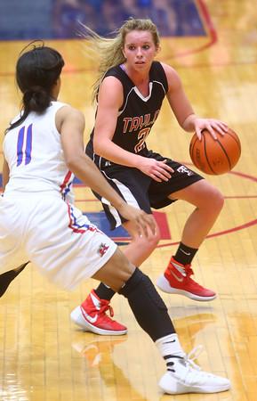 11-11-15<br /> Kokomo vs Taylor girls basketball<br /> Taylor's Cami Hansen<br /> Kelly Lafferty Gerber   Kokomo Tribune