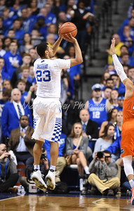 Jamal Murray of Kentucky pulls up for a three pointer during the second half against Florida.  MARTY CONLEY/ FOR THE DAILY INDEPENDENT