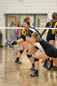 Dragon Volleyball vs New London - Spicer