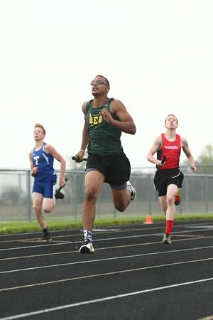 4-26-16<br /> Northwestern Relays<br /> Eastern's Dontae Nolder in the sprint medley relay.<br /> Kelly Lafferty Gerber   Kokomo Tribune