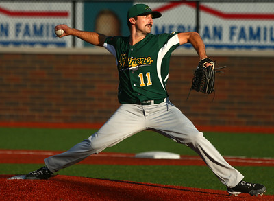 8-7-16 Jackrabbits vs Miners Michael Syrett pitches. Kelly Lafferty Gerber | Kokomo Tribune