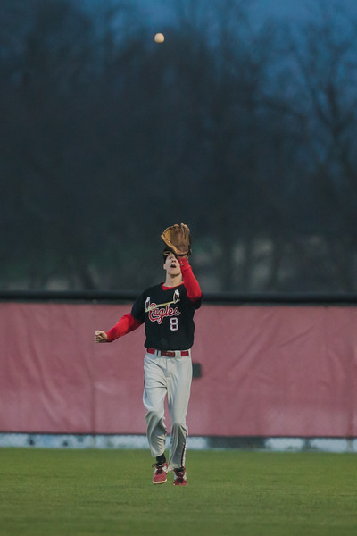 ERHS' Zachary Hall catches fly ball to right field