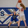Brooke Vetter guards Rebecca Travis