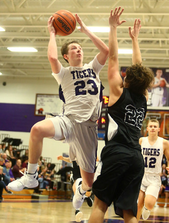 12-2-16<br /> Northwestern vs Western boys basketball<br /> <br /> Kelly Lafferty Gerber   Kokomo Tribune