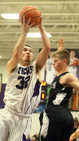 12-2-16<br /> Northwestern vs Western boys basketball<br /> Northwestern's Noah Dowden goes up to the basket.<br /> Kelly Lafferty Gerber | Kokomo Tribune