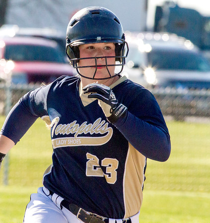 Allison Apke<br /> <br /> Teutopolis<br /> <br /> 2016 Statistics<br /> <br /> .485/.519/.961, 16 2B, 3 3B, 9 HR, 53 RBI, 30 R<br /> <br /> Awards/Honors<br /> <br /> ICA Class 2A All-State First Team