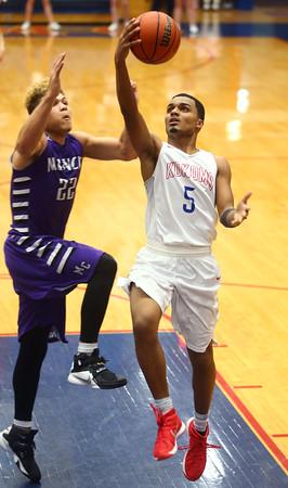 2-19-16<br /> Kokomo vs Muncie Central<br /> Kokomo's Jordan Matthews<br /> Kelly Lafferty Gerber   Kokomo Tribune
