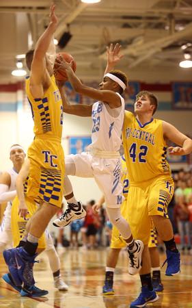 2-26-16<br /> Maconaquah vs Tri Central boys basketball<br /> Maconaquah's Keron Hullum<br /> Kelly Lafferty Gerber | Kokomo Tribune