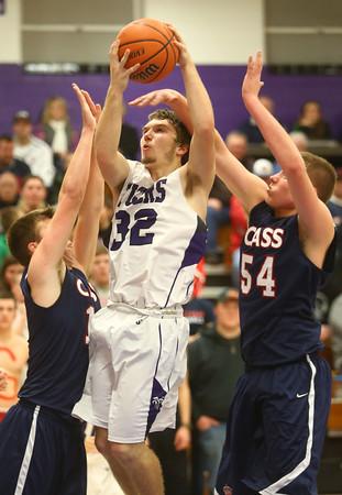 1-22-16<br /> Northwestern vs Cass boys basketball<br /> Northwestern's Noah Dowden<br /> Kelly Lafferty Gerber | Kokomo Tribune