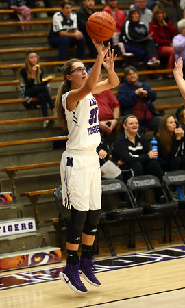 11-22-16<br /> Northwestern vs Western girls basketball<br /> NW's Madison Layden<br /> Kelly Lafferty Gerber | Kokomo Tribune