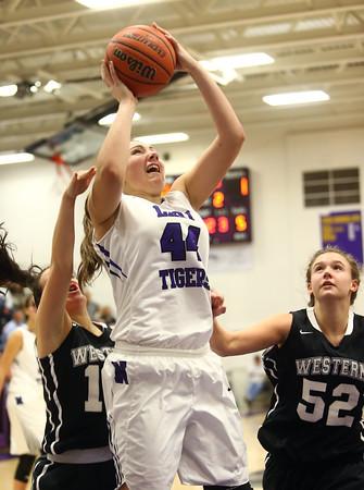 11-22-16<br /> Northwestern vs Western girls basketball<br /> NW's Kendall Bostic<br /> Kelly Lafferty Gerber   Kokomo Tribune