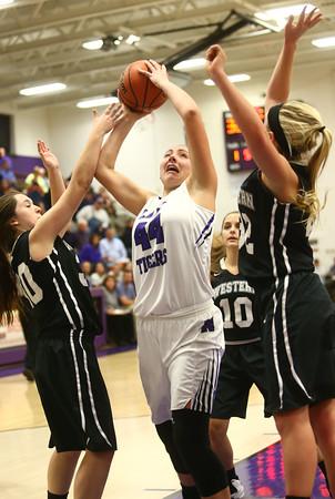 11-22-16<br /> Northwestern vs Western girls basketball<br /> NW's Kendall Bostic<br /> Kelly Lafferty Gerber | Kokomo Tribune