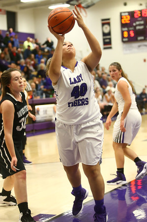 11-22-16<br /> Northwestern vs Western girls basketball<br /> NW's Kora Loer<br /> Kelly Lafferty Gerber   Kokomo Tribune