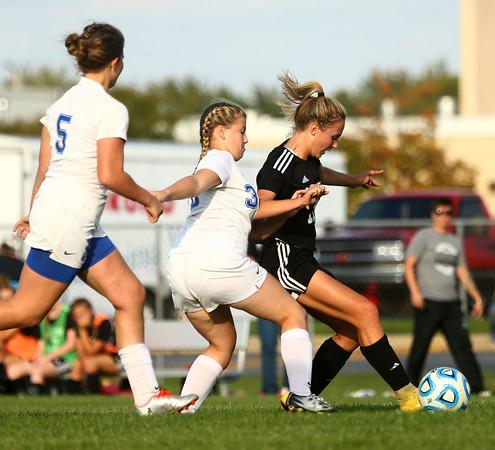 10-4-16<br /> Western vs Kokomo girls soccer<br /> <br /> Kelly Lafferty Gerber   Kokomo Tribune
