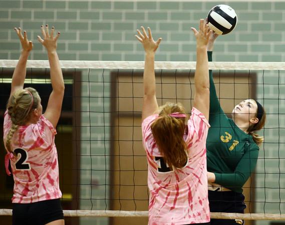 10-12-16<br /> Kokomo vs Eastern volleyball<br /> Eastern's Hailey Holliday<br /> Kelly Lafferty Gerber   Kokomo Tribune