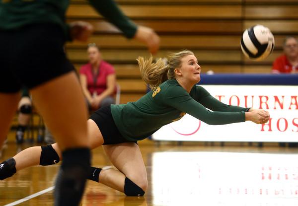 10-12-16<br /> Kokomo vs Eastern volleyball<br /> Eastern's Isabel Kelly dives for the ball.<br /> Kelly Lafferty Gerber | Kokomo Tribune