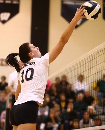 10-22-16<br /> Western vs Benton Central sectional vball championship<br /> Sophia Rogers spikes it over the net.<br /> Kelly Lafferty Gerber   Kokomo Tribune