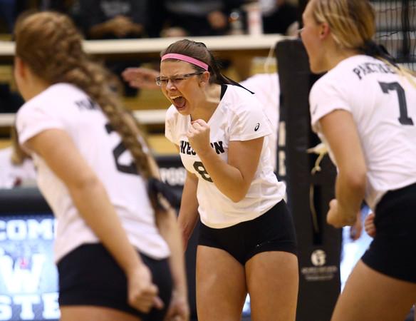 10-20-16<br /> Western vs Northwestern sectional volleyball<br /> Western's Bree Amsbury celebrates after she scores a point on a spike.<br /> Kelly Lafferty Gerber | Kokomo Tribune