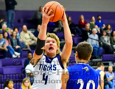 2016 Varsity Tigers vs Quinlan Ford Panthers 11/29/2016