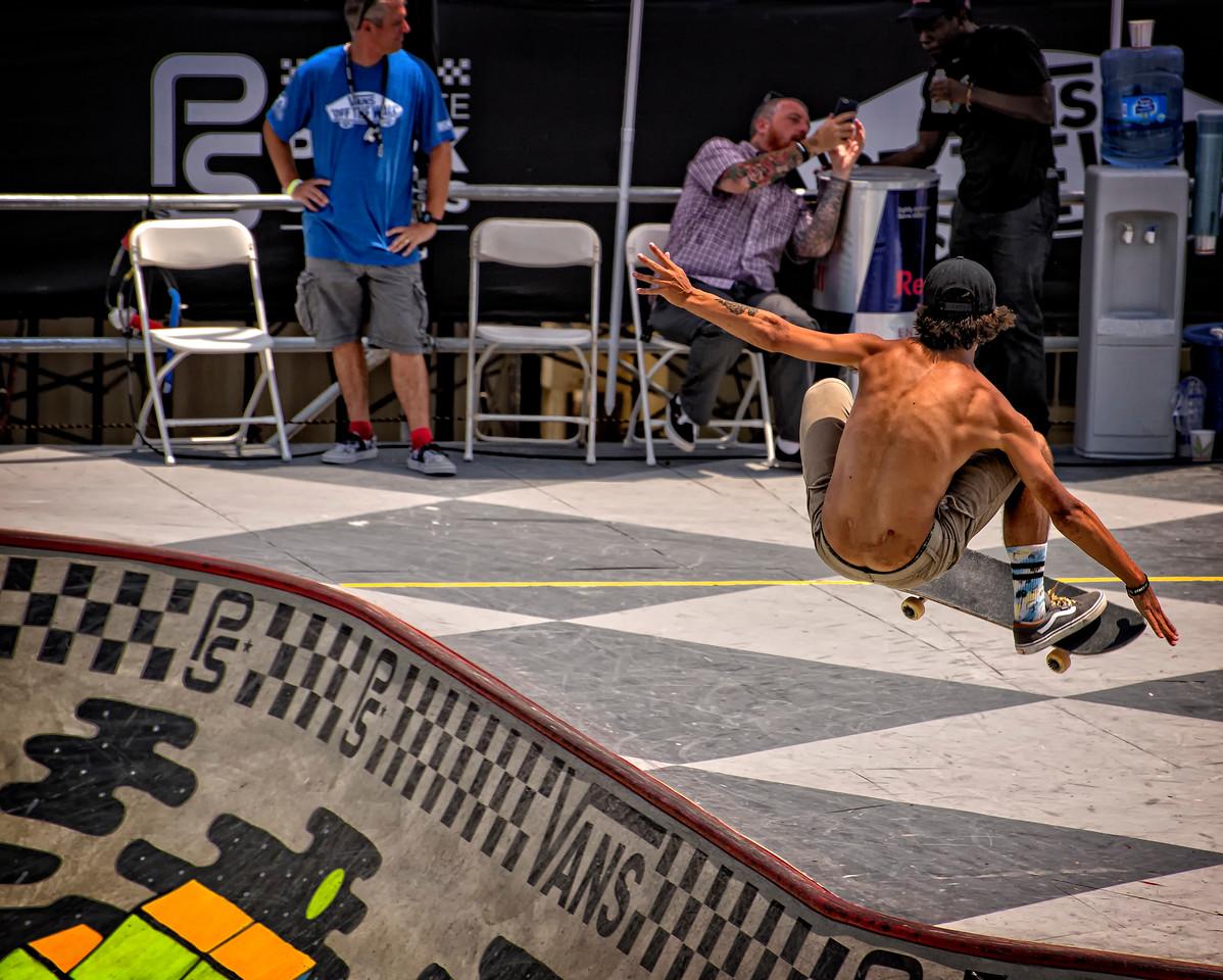 Vans Pro surfing HB 18