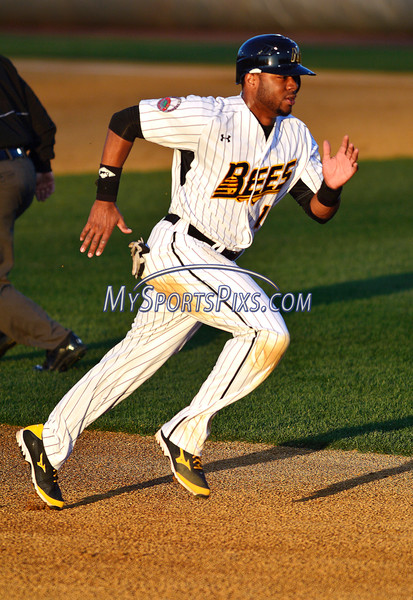 4/23/2016 Mike Orazzi | Staff<br /> New Britain Bees's Anthony Hewitt (15) Saturday night.