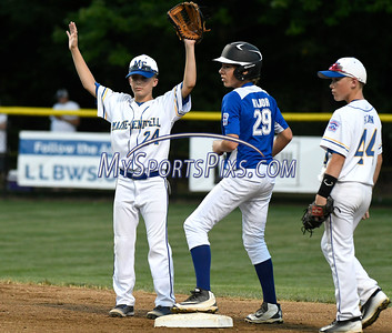 8/13/2016 Mike Orazzi | Staff Pennsylvania Keystone Little League's Aidan Major (29) into second as New York Maine Endwell's Jude Abbadessa (24) and Justin Ryan (44) look on during the Mid-Atlantic Final during the Eastern Regional Little League Tournament in Bristol Saturday evening.