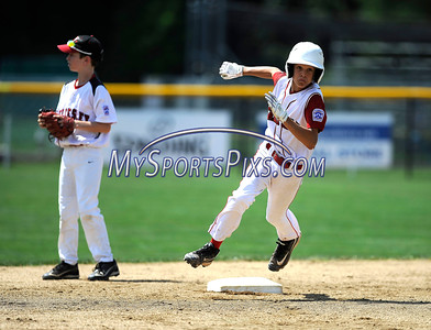 8/12/2016 Mike Orazzi   Staff Connecticut's Michael Iannazzo (7) rounds second base during the Eastern Regional Little League Tournament at Breen Field Friday.