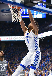 Kentucky's Nick Richards dunks the ball on Wednesday against Fort Wayne.  MARTY CONLEY/ FOR THE DAILY INDEPENDENT