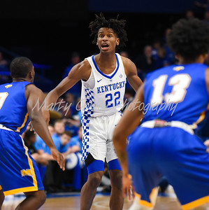 Shai Gilgeous-Alexander of Kentucky sets up the offense on Monday evening against Morehead.  MARTY CONLEY/ FOR THE DAILY INDEPENDENT
