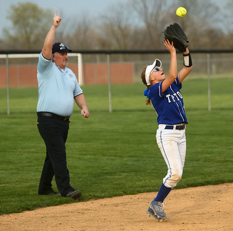 4-14-17<br /> Western vs Tipton softball<br /> Tipton's Ellie Browning makes the catch for an out.<br /> Kelly Lafferty Gerber   Kokomo Tribune