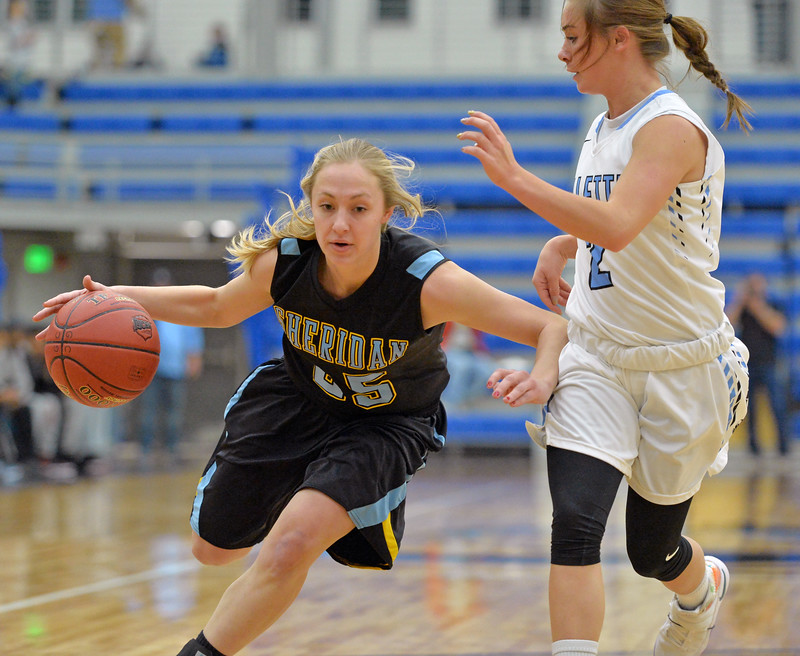 Raelynn Keefer drives past a defender on Wednesday, Jan. 11 at the Pronghorn Center in Gillette. Mike Pruden | The Sheridan Press