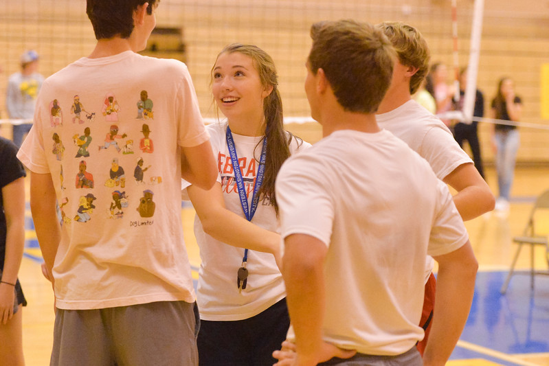 Justin Sheely | The Sheridan Press<br /> Sheridan senior Gracie Von Krosigk talks to the senior boys during a timeout against the juniors in He-Man Volleyball on Homecoming week Tuesday at Sheridan High School.