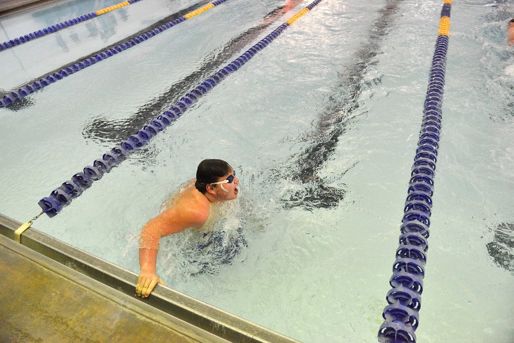 Justin Sheely | The Sheridan Press<br /> Sheridan freshman Kaleb Yager competes in the 50 SC Meter Freestyle during the boys swim meet Friday at the Sheridan Junior High School Pool.