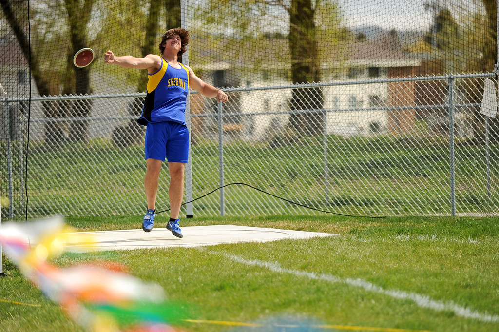 Max Myers lets go of his discus during the Gary Benson Memorial track meet on Tuesday, April 18 at Sheridan High School. Mike Pruden | The Sheridan Press