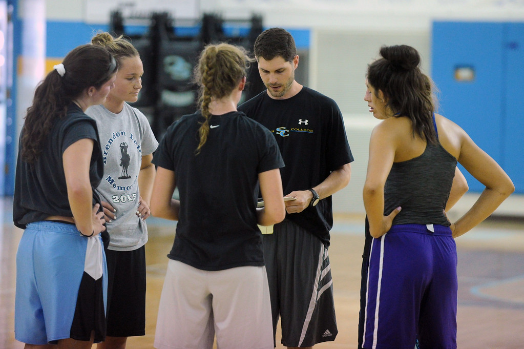 Sheridan College head women's basketball coach Ryan Davis draws up a play during the first day of practice with the Wyoming All-Stars on Wednesday, June 7 at the Bruce Hoffman Golden Dome. Mike Pruden | The Sheridan Press