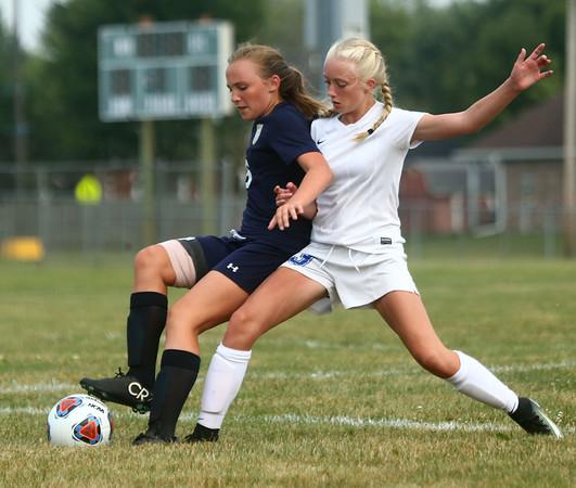 8-16-17<br /> Kokomo vs Oak Hill girls soccer<br /> Kokomo's Maya James goes after the ball.<br /> Kelly Lafferty Gerber | Kokomo Tribune