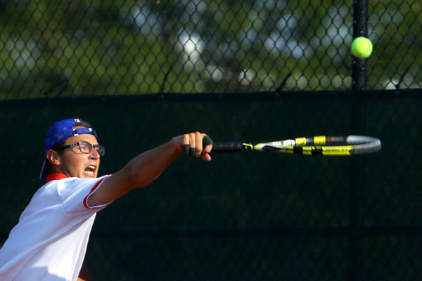 Nate Hemmerich playing tennis at KHS on Aug. 28, 2017. <br /> Tim Bath | Kokomo Tribune