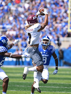 Eastern Kentucky's Ryan Markush pulls in a catch on Saturday against Kentucky in Lexington.  MARTY CONLEY/ FOR THE DAILY INDEPENDENT