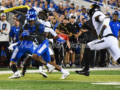 "Kentucky's Garrett ""Juice "" Johnson sprints ahead after making a reception against Missouri on Saturday evening.  MARTY CONLEY/ FOR THE DAILY INDEPENDENT"
