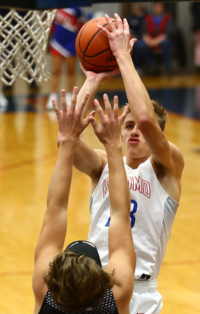 12-5-17<br /> Kokomo vs Western boys basketball<br /> <br /> Kelly Lafferty Gerber | Kokomo Tribune