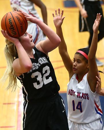 12-5-17<br /> Kokomo vs Western girls basketball<br /> Western's Clara Braswell shoots.<br /> Kelly Lafferty Gerber | Kokomo Tribune