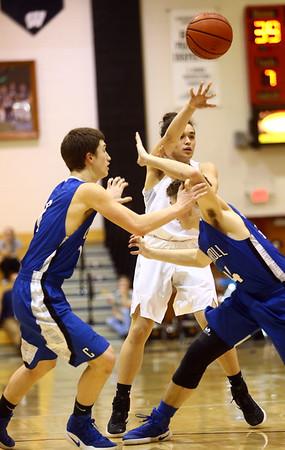 2-21-17<br /> Western vs Carroll boys basketball<br /> Western's Zyaire Kelley throws a pass.<br /> Kelly Lafferty Gerber | Kokomo Tribune
