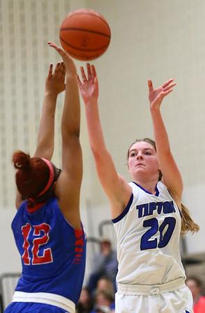 1-17-17<br /> Tipton vs Kokomo girls basketball<br /> Tipton's Kelsey Mitchell shoots.<br /> Kelly Lafferty Gerber | Kokomo Tribune
