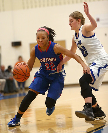 1-17-17<br /> Tipton vs Kokomo girls basketball<br /> Kokomo's Jayda Andrews dribbles down the court.<br /> Kelly Lafferty Gerber | Kokomo Tribune