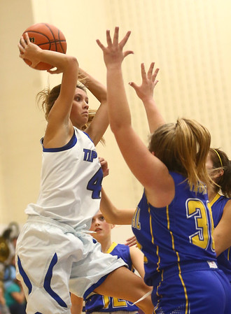 11-9-17<br /> Tipton vs Tri Central girls basketball<br /> Tipton's Cassidy Crawford throws a pass.<br /> Kelly Lafferty Gerber | Kokomo Tribune