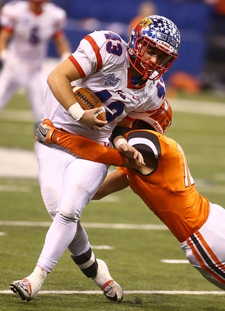 11-24-17<br /> Kokomo state football<br /> Noah Hurlock runs the ball.<br /> Kelly Lafferty Gerber | Kokomo Tribune